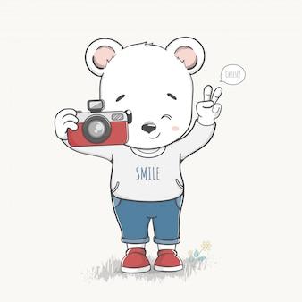 Urso bonito menino tirar uma foto dos desenhos animados mão desenhada vector