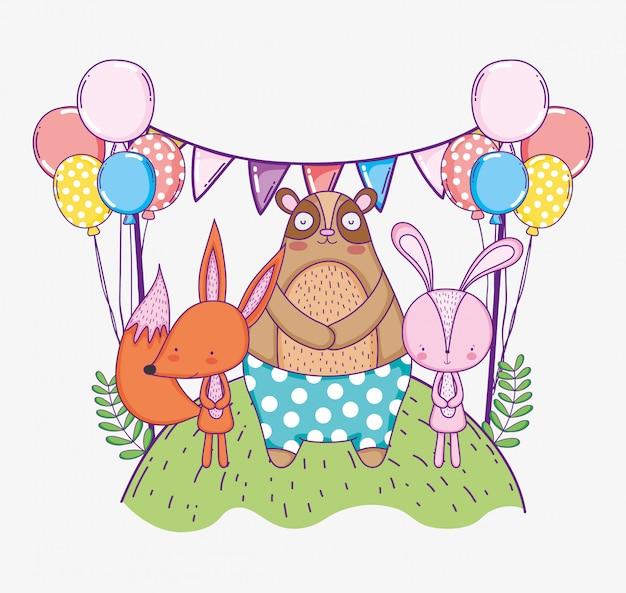 Urso com coelho e raposa comemorando feliz aniversário