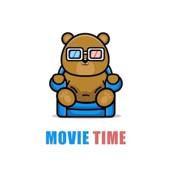 Urso fofo assistindo a um desenho animado de um filme