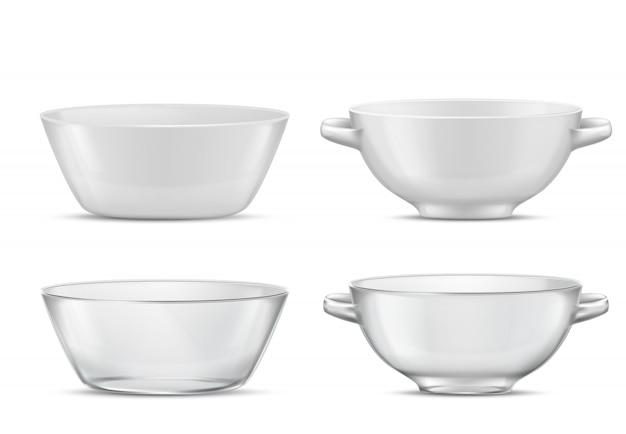 Utensílios de mesa transparentes do jogo 3d realístico ou terrinas brancas da porcelana com punhos vidro ou porcelana