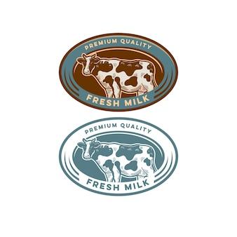 Vaca com selo vintage de qualidade premium para leite de fazenda