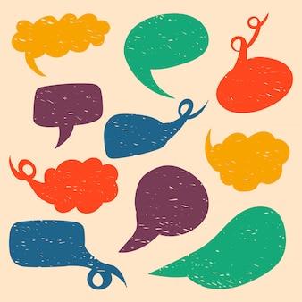 Várias bolhas do discurso em formas diferentes. elementos isolados bolhas do discurso de mão desenhada. ilustração plana colorida