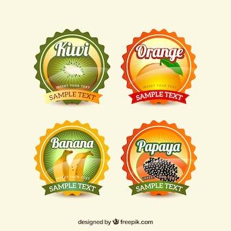 Várias etiquetas redondas de frutas