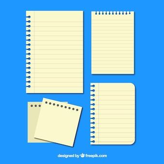 Várias folhas de caderno