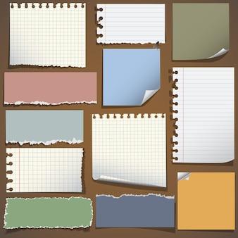 Várias notas de papel