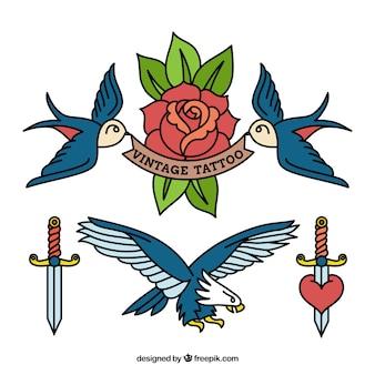 Várias tatuagens de aves