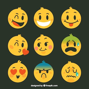 Variedade de agradáveis smileys na cor amarela