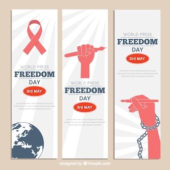 Variedade de bandeiras de dia de liberdade de imprensa mundial com elementos vermelhos