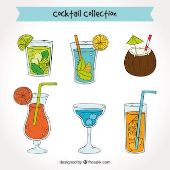 Variedade de cocktails desenhados à mão