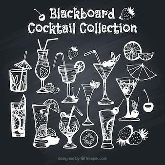 Variedade de cocktails no efeito quadro-negro