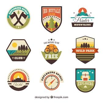 Variedade de emblemas de aventura do vintage