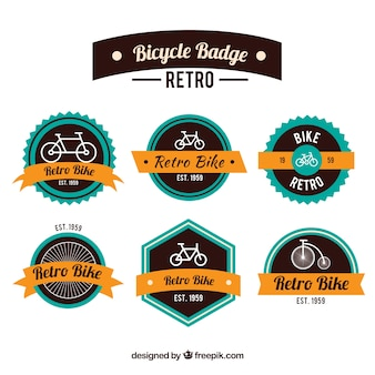 Variedade de emblemas de bicicleta no design retro com fitas