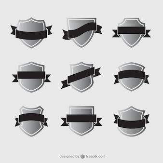 Variedade de escudos com fitas
