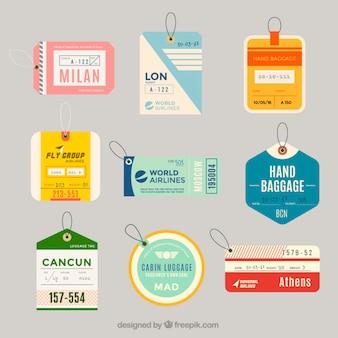 Variedade de etiquetas de bagagem plana em design plano