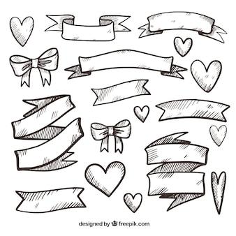 Variedade de fitas e corações desenhados à mão