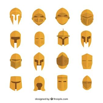 Variedade dourada de capacetes medievais