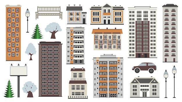 Vários elementos da cidade no inverno - casas de estufas e prédios municipais, árvores na neve, parque e transporte.