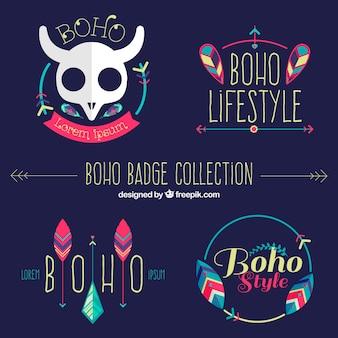 Vários emblemas coloridos em estilo boho