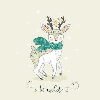 Veado de inverno bonito dos desenhos animados. Cartão de adorável animal mão desenhada