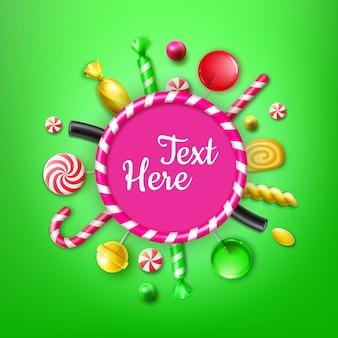 Vector candy flat lay com diferentes doces em embalagens de papel alumínio listrado vermelho e amarelo, pirulitos redemoinhos, bengala de natal, moldura para texto ou vista superior de copyspace sobre fundo verde