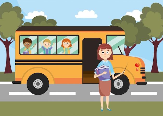 Veículo de ônibus escolar com professor e alunos