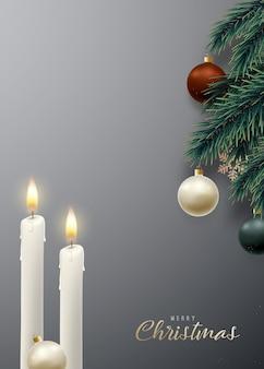 Vela de natal combinada com galhos de árvores de natal realistas
