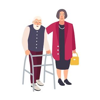 Velho barbudo caminhando com andador e uma mulher vestida com roupas elegantes apoiando-o