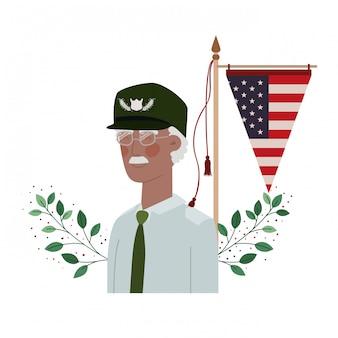 Velho de guerra veterano com bandeira dos estados unidos