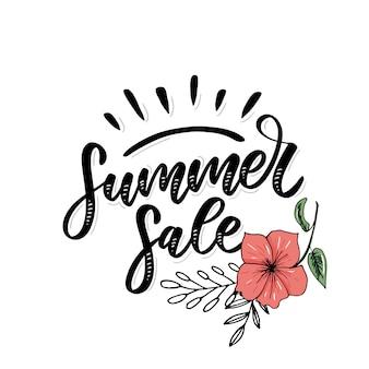 Venda de verão de palavra vetor. letras feitas de flores e folhas férias de venda de verão