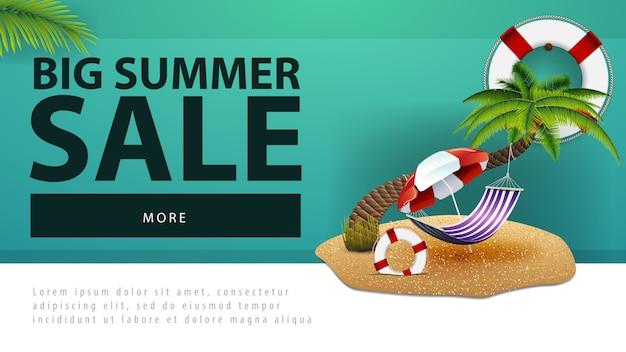 Venda de verão grande, desconto banner web com palmeira, rede e guarda-sol