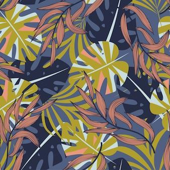 Verão abstrata padrão sem emenda com folhas tropicais coloridas e plantas no fundo roxo