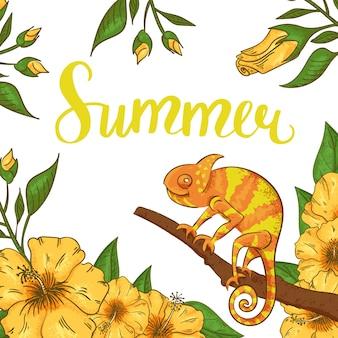 Verão abstrato com camaleão, hibiscus e plantas.