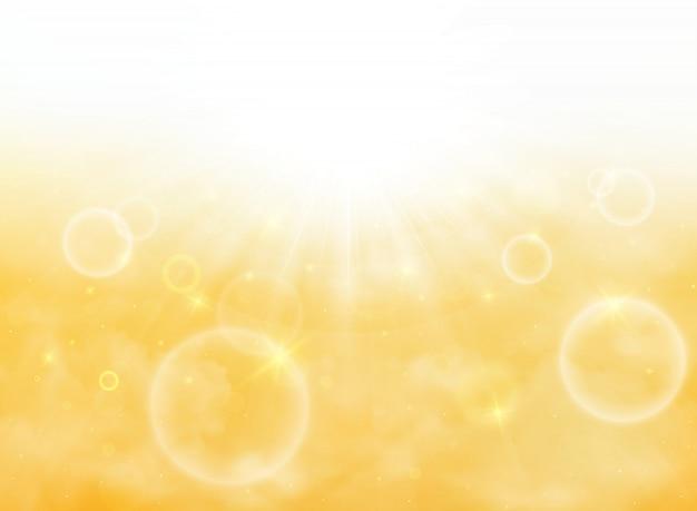 Verão do sol estourar na luz suave com fundo de céu amarelo ouro