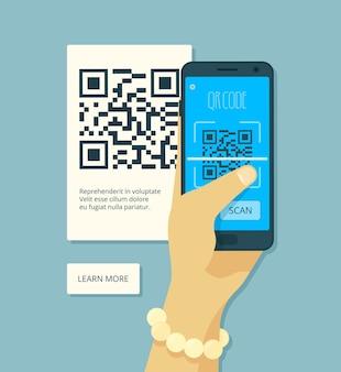 Verificando código qr. mão segurando um adesivo de produto de codificação de digitalização a laser e smartphone