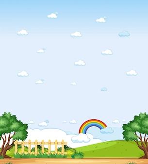 Vertical natureza cena ou paisagem rural com vista para a floresta e arco-íris no céu em branco durante o dia