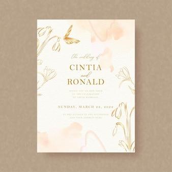 Vetor de borboleta e ouro floral com respingos de aquarela no cartão de convite de casamento