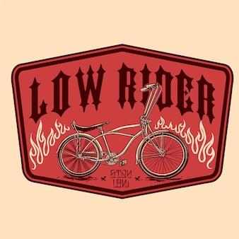 Vetor de design de distintivo vintage de bicicleta baixa