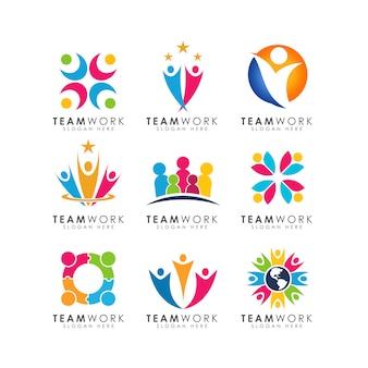 Vetor de design de logotipo de trabalho em equipe