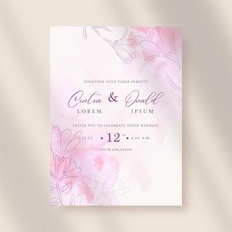 Vetor de formas de flores rosa com respingos de aquarela no fundo do convite de casamento