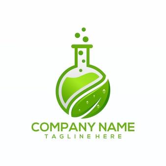 Vetor de logotipo de laboratório verde natural, modelo