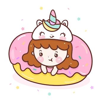 Vetor de menina bonito no desenho animado de rosquinha doce