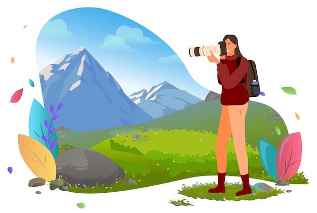 Viajante com câmera fotográfica nas montanhas, turismo
