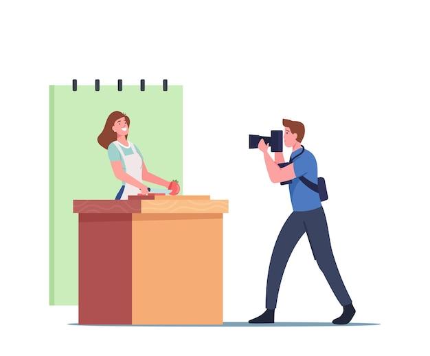 Videógrafo profissional personagem masculino gravação de blogueiro feminino ou apresentador de tv no avental na câmera de vídeo. chef de mulher cozinhando alimentos saudáveis na cozinha falsa. ilustração em vetor desenho animado