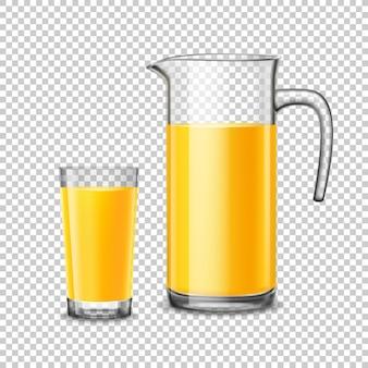 Vidro e jarro com suco de laranja no fundo transparente