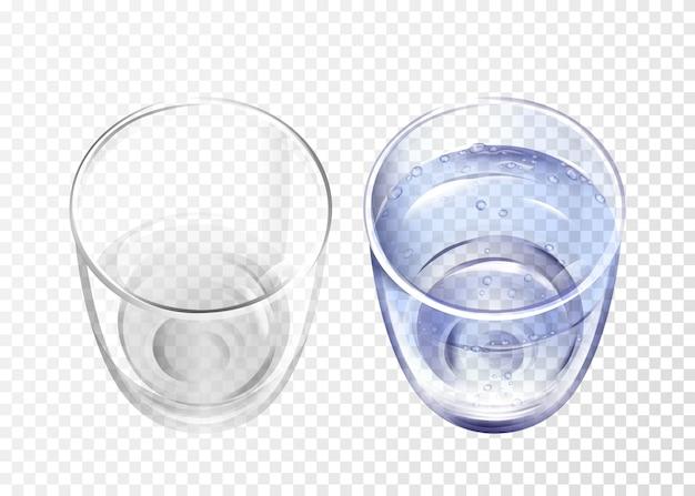 Vidro realista vazio e copo com água azul em fundo transparente.