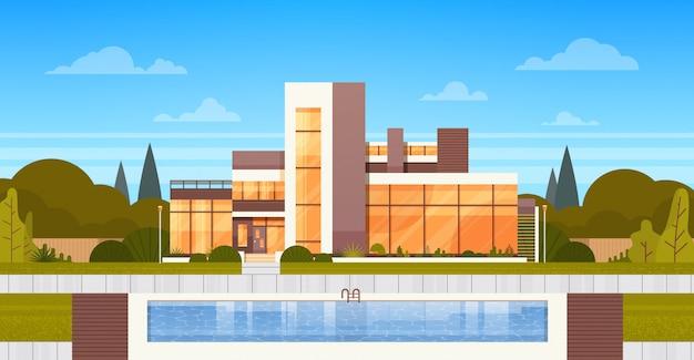 Villa de luxo com piscina exterior da casa moderna