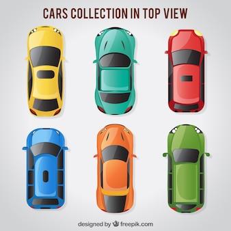 Vista de cima de seis carros brilhantes