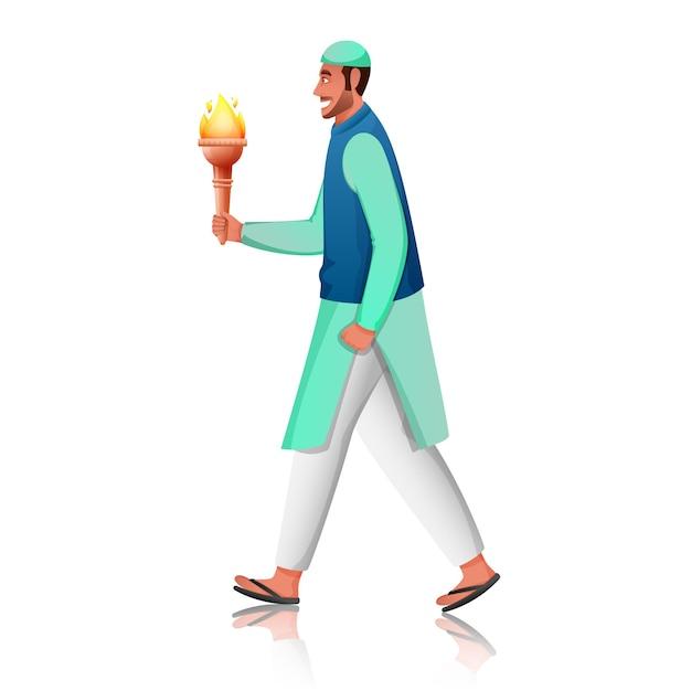 Vista lateral do homem muçulmano segurando uma tocha flamejante em traje tradicional em fundo branco.