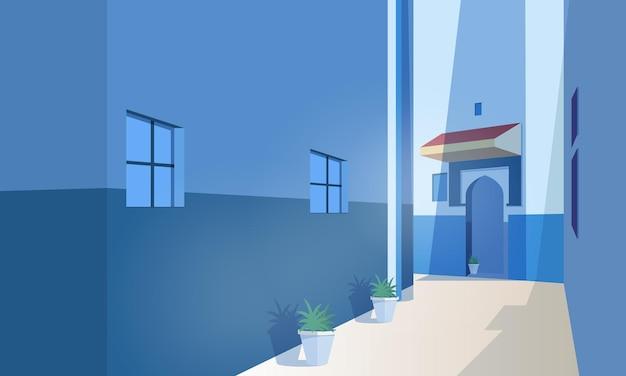 Vista panorâmica da cidade marroquina com edifícios antigos, porta de forma tradicional e plantas crescendo em vasos