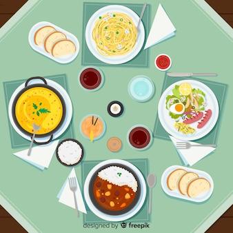 Vista superior de pratos na mesa do restaurante
